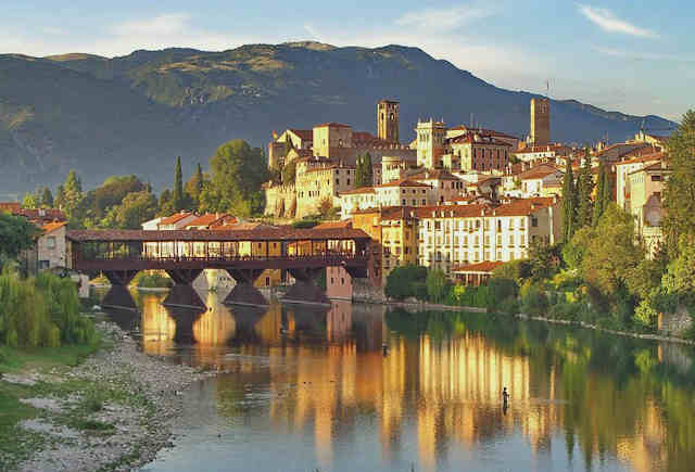 Bassano del Grappa am Fluss Brenta